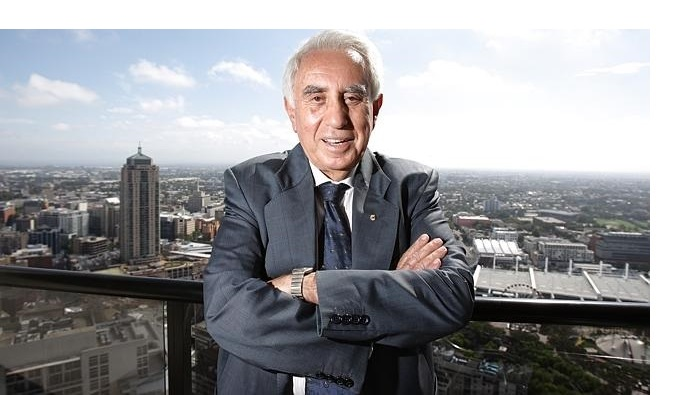 Meriton-apartments-owner-Harry-Triguboff-looking-at-the-view-from-his-apartment-block-in-the-Sydney-CBD.-Source-News-Limited1