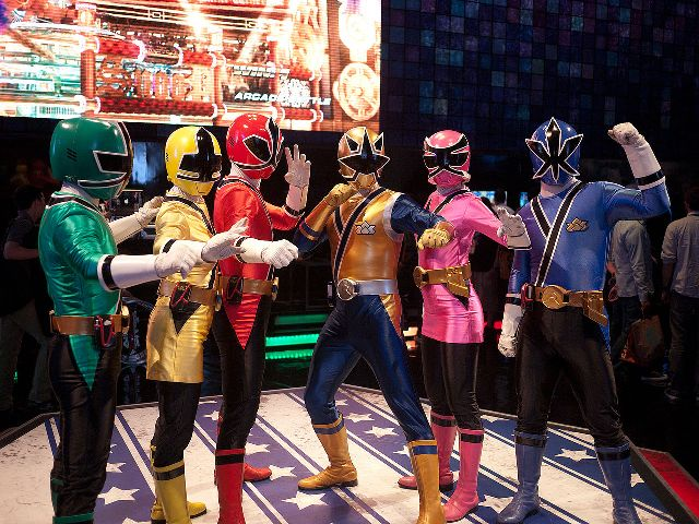 Power_Rangers_Samurai - & Saban Brands Power Rangers Costume Licensees Renew Their Agreements ...