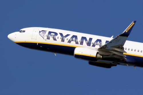 Ryanair is selling flights to france and germany for only for Cost of plane ticket to germany