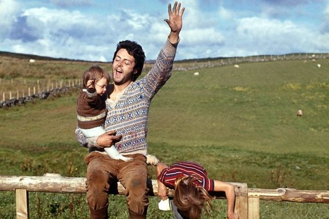 1968 Paul McCartney Photographer Linda