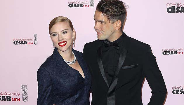 Scarlett Johansson Steps Out With Twin Brother Jewish