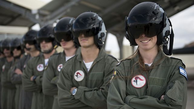 Syrian War: News #12 - Page 30 Israel-female-fighter-pilot-in-Israeli-Air-Force-Lt.-Shahar-right-Photo-IDF-Spokesperson