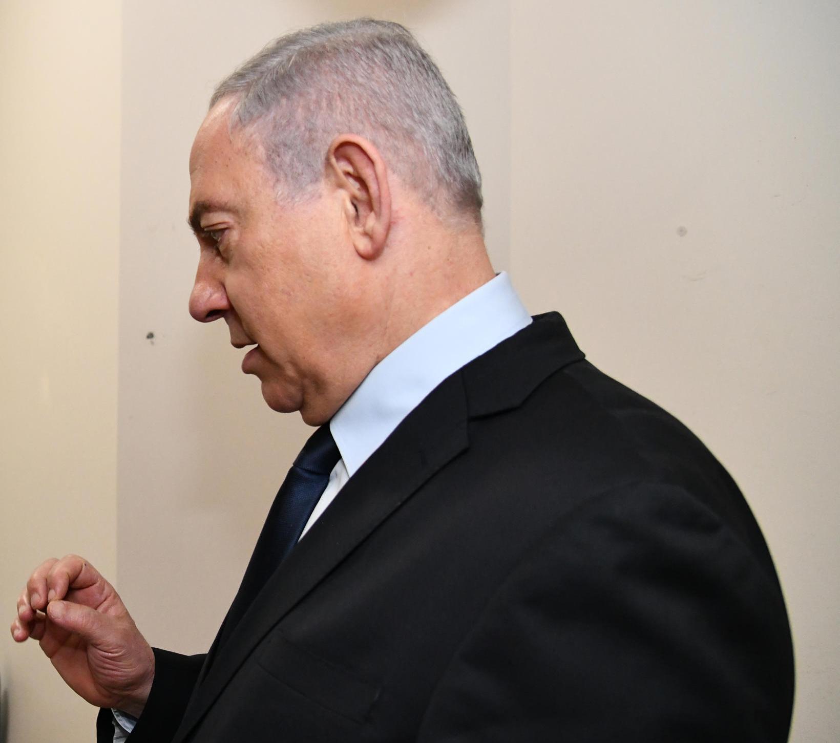 PM-Netanyahu-at-Chaim-Sheba-Medical-Center-at-Tel-Hashomer-cropped-GPO