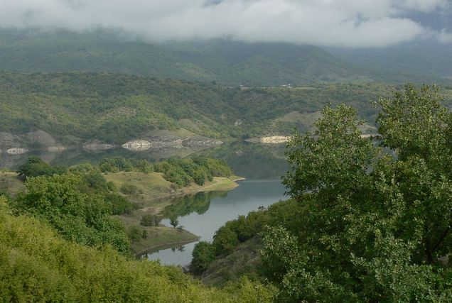 Sarsang reservoir from Drmbon village, Martakert region, Nagorno-Karabakh Republic (Republic of Azerbaijan) BY Sergey Yakovlev wikipedia